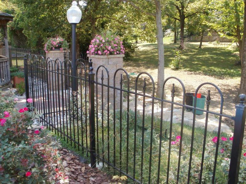 4ft Hoop and Picket Iron Fence