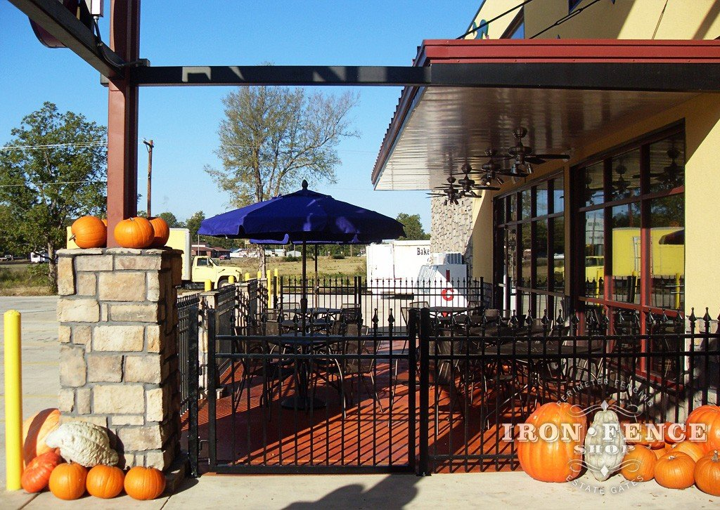 Wrought Iron Fence Or Aluminum Fence For Restaurants And Outdoor