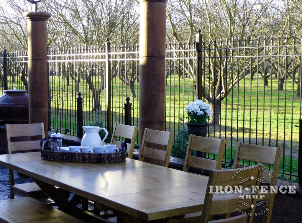 High Quality Iron And Aluminum Fence Work Great For Restaurant And Patio Enclosures