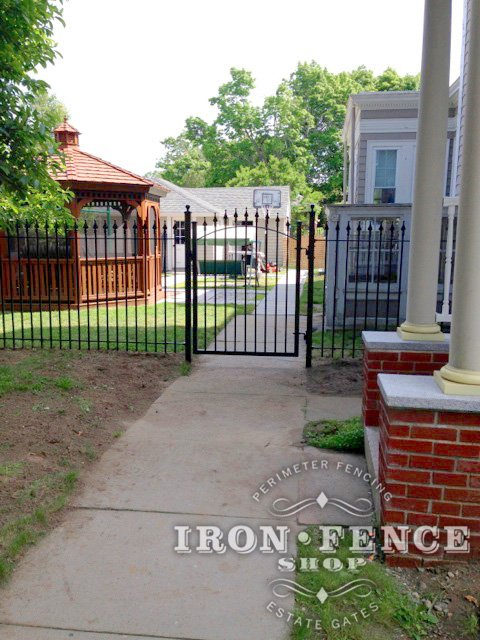 A Single Gate has One Leaf (5x4 Arched Single Walk Gate Pictured)