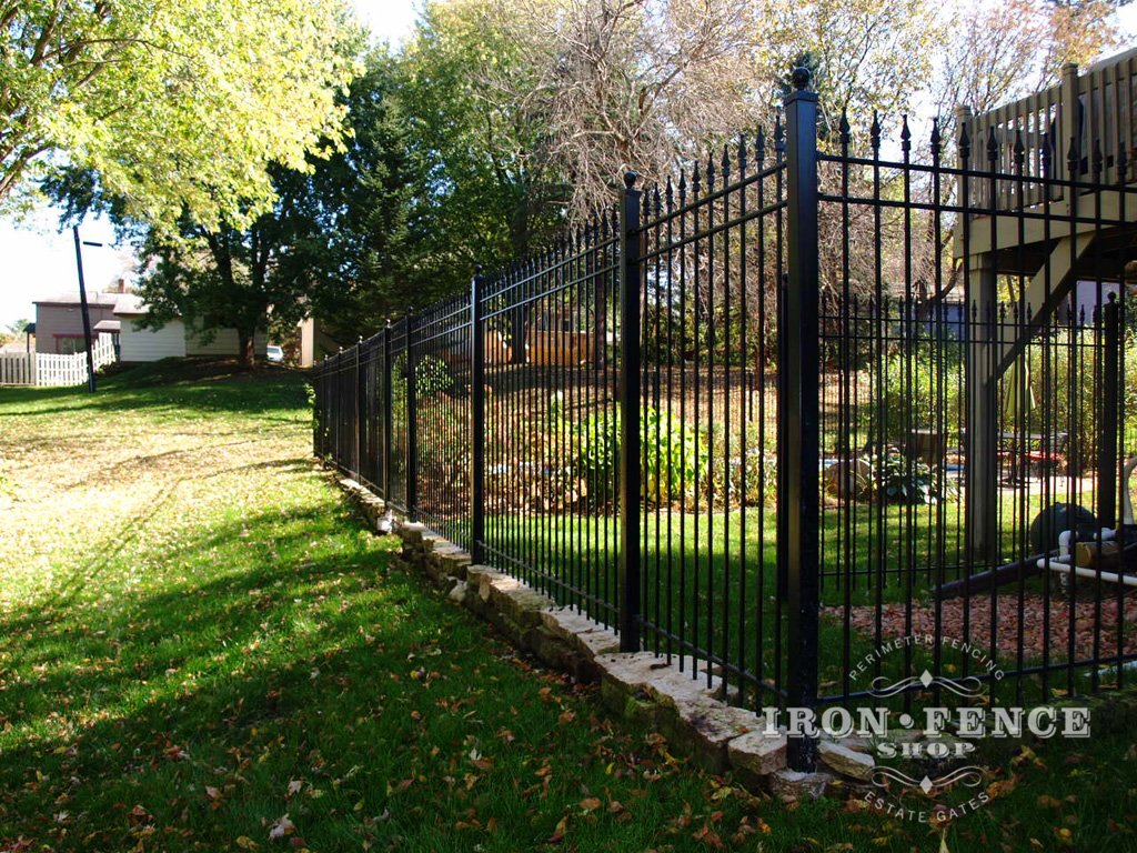 How To Diy Install Iron Fence Or Aluminum Fence On A Hill