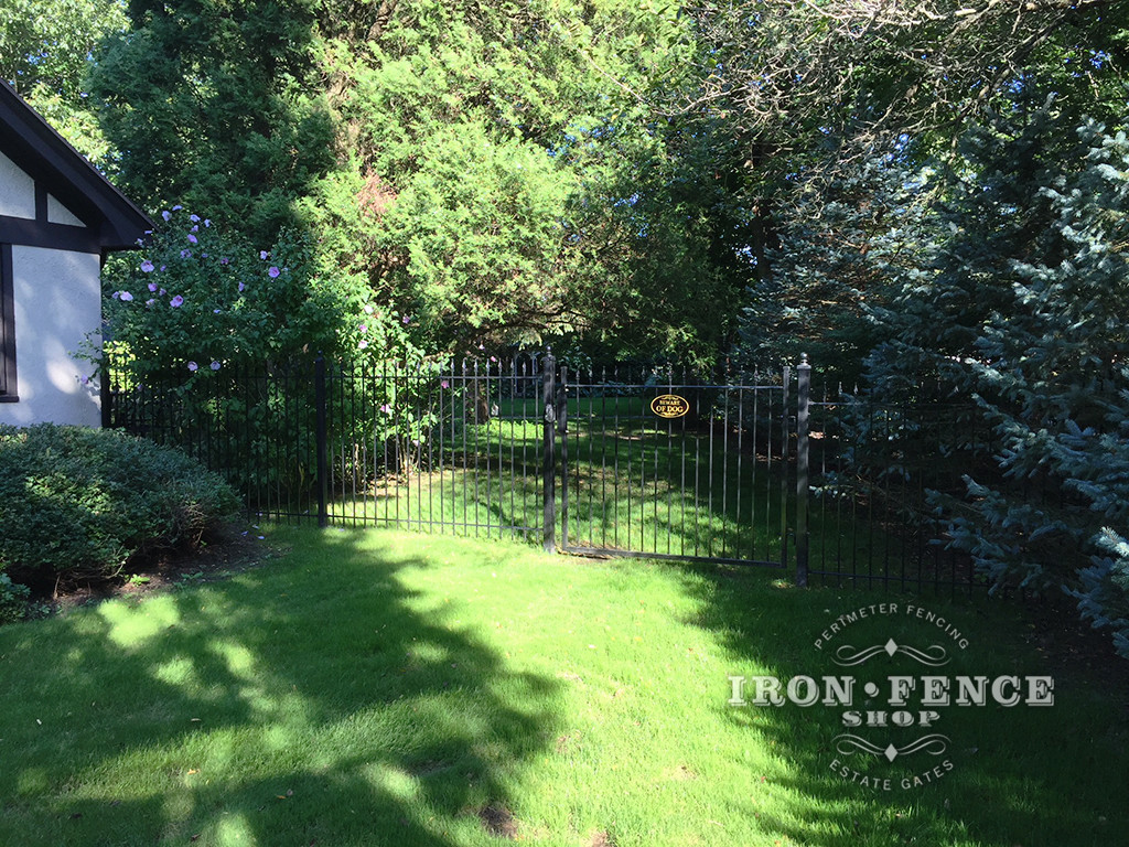 A 5ft Tall x 6ft Wide Iron Gate with Matching Classic Style iron Fence